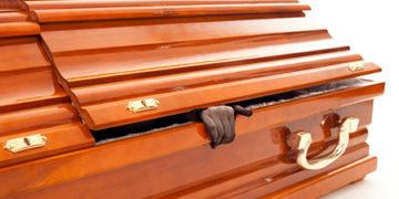 Resucitó en su funeral