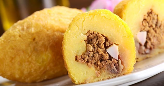 Receta de bombas de patata rellenas de carne