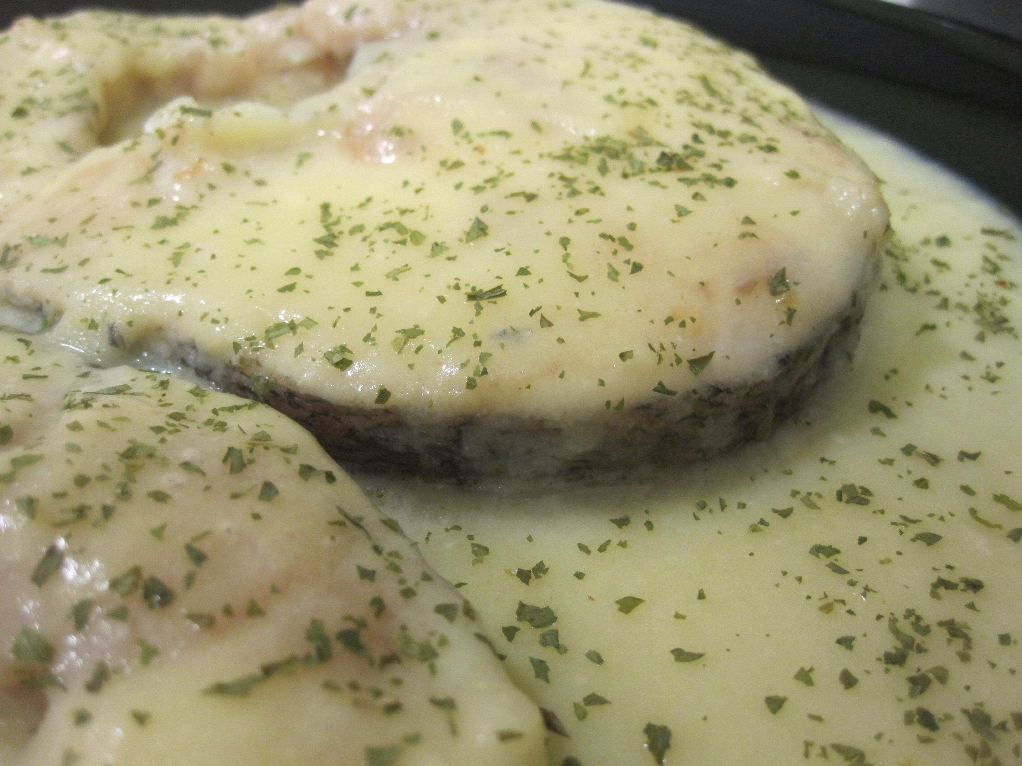Merluza en salsa de puerros mundoamores - Cocinar merluza en salsa ...
