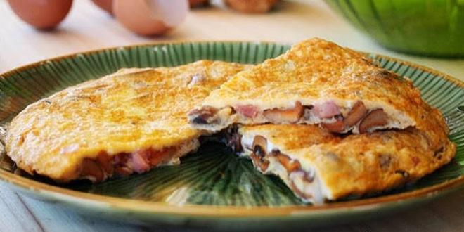 Tortilla de jamón y setas