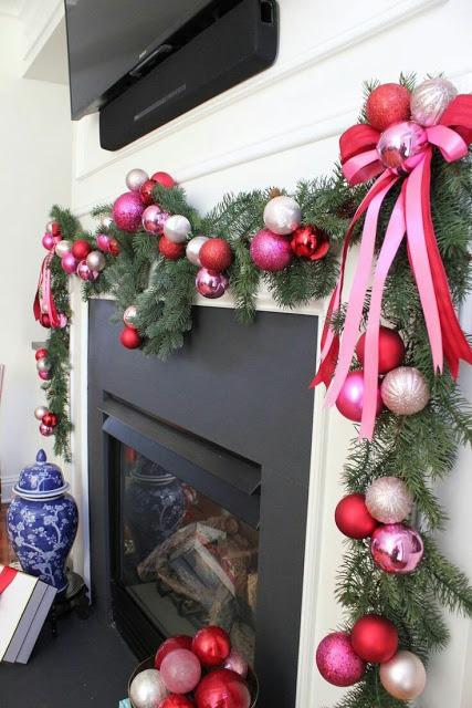Esferas navideñas para la chimenea