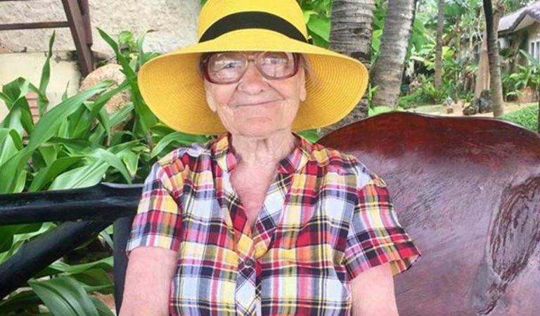 Tiene 90 años, viaja por el mundo sola y lo comparte en Instagram